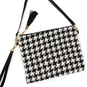 NWT Immensely Cute Hounds tooth Handbag w/ Wristlet and Strap